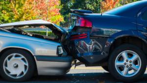 交通事故にあいました。